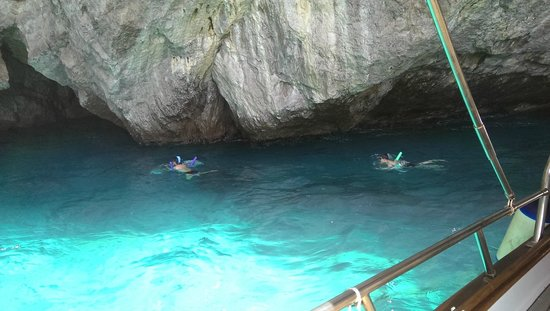 Green Grotta : Incredible swimming experience