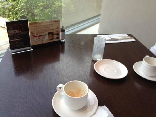 InterContinental Hotel Tokyo Bay: Breakfast table set up