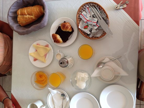 Romantic Spa Resort: Yummy breakfast.