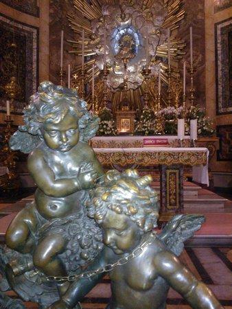 Santa Maria della Vittoria : l'altare