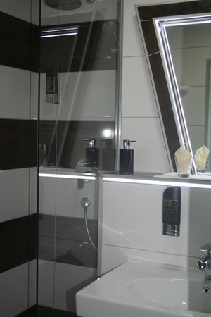 Hotel La Terrazza: Badezimmer Superior Room