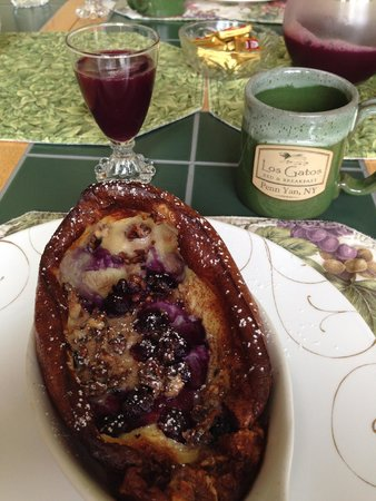 Los Gatos Bed & Breakfast: Breakfast with Homemade juice and great coffee!