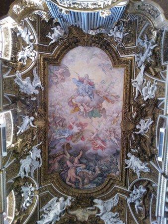 Santa Maria della Vittoria : Look at here!!