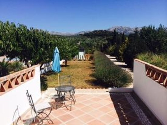Finca Los Pinos Guesthouse: View from the Ndoro terrace