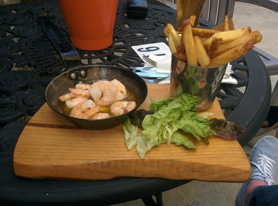 Dunbrody Country House Hotel: Prawns from pub on the grounds