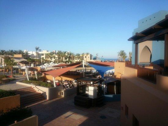 Siva Port Ghalib : widok z lobby. Nad restauracją główną
