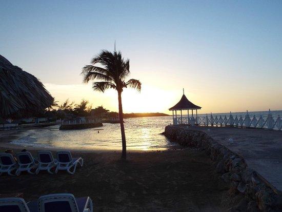 Royal Decameron Club Caribbean : Lifes a beach