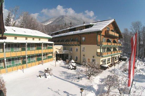 Försterhof Hotel: Försterhof Aussenansicht Winter