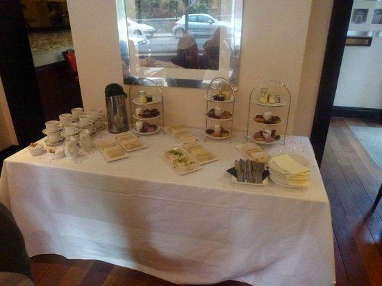 Wilsons Bar at the Wynnstay Hotel & Spa: Afternoon tea