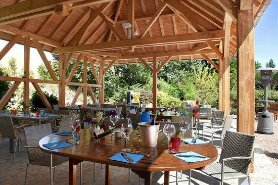 Hostellerie Bourguignonne Hotel de charme en Bourgogne entre Beaune et Chalon sur Saône Terrasse