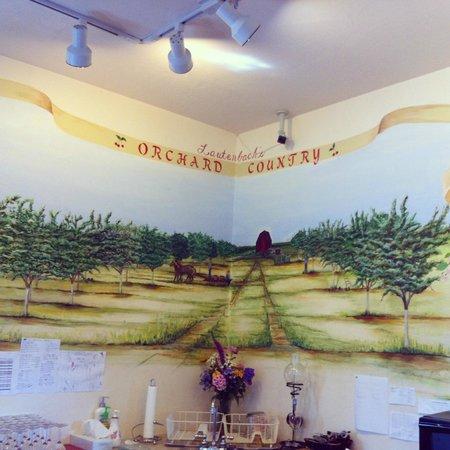 Winery foto di lautenbach 39 s orchard country fish creek for Oak orchard fishing report 2017