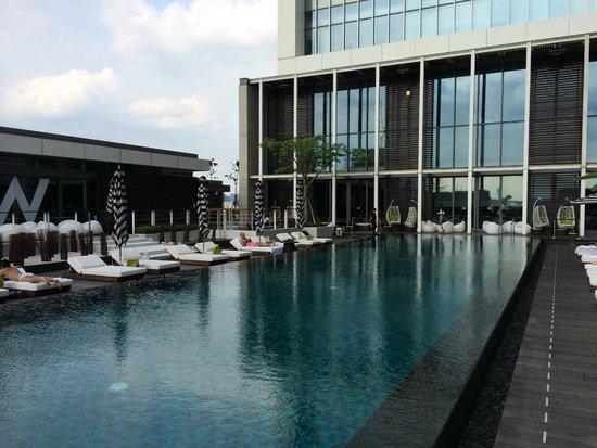 W Taipei: Pool, 10th Floor