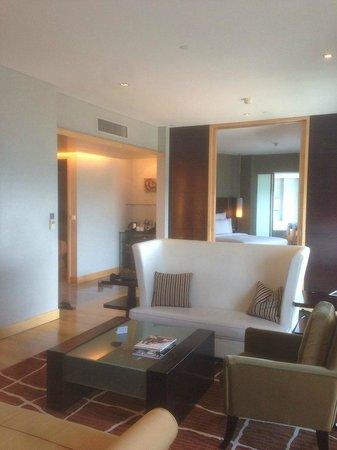 Hilton Kuala Lumpur: гостинная