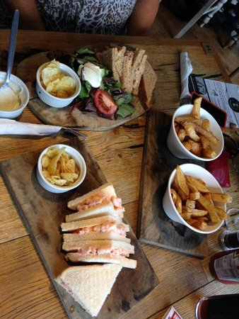The Jolly Fisherman Pub : Our Lunch