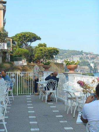 Grand Hotel Riviera: Vue de la terrasse du déjeuner.