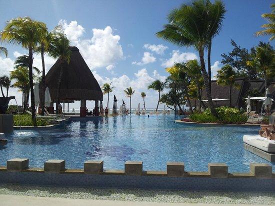 Ambre Resort & Spa : Beautiful pool