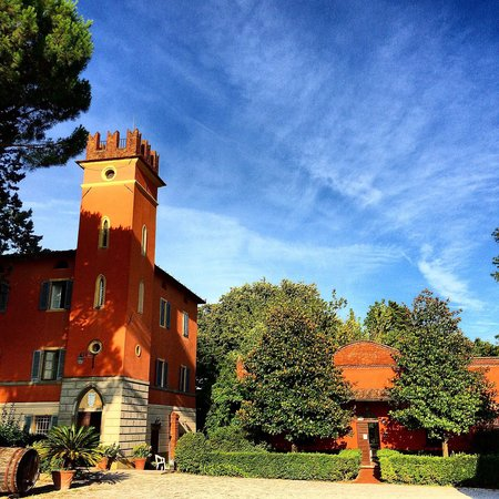 Agriturismo Tenute di Badia: Main house and reception of Tenute di Badia