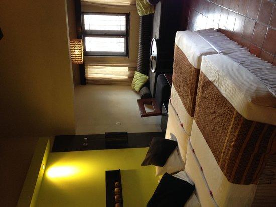 Deer Park Hotel : our room