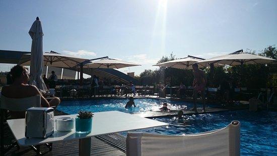 Radisson Blu es. Hotel, Roma: Poolside