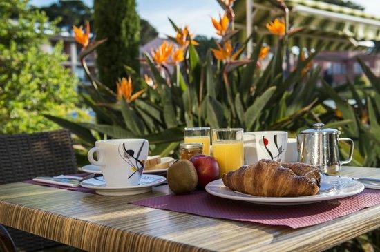Hotel Les Jardins De Sainte Maxime Pe Dejeuner