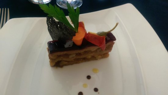 Le 5: Mille-Feuille de foie gras au pain d'épice