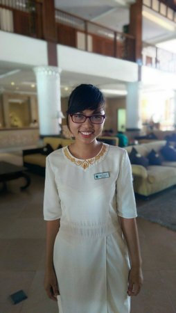 Furama Resort Danang: Vy (Front Office Trainee) for 'very good' 😊