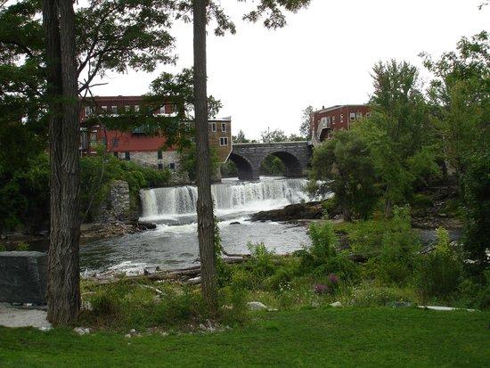 Sama's Cafe: Middlebury Falls
