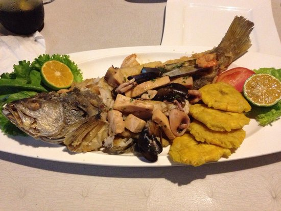Restaurante Tierra Mar: Seafood stuffed Sea Bass