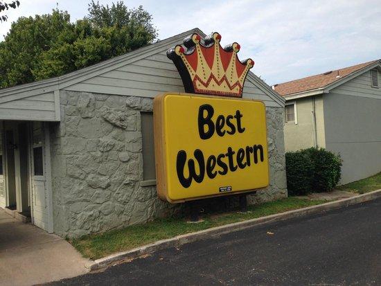BEST WESTERN Route 66 Rail Haven : Vintage sign