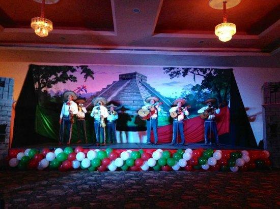 El Cozumeleno Beach Resort: Mexican Fiesta night