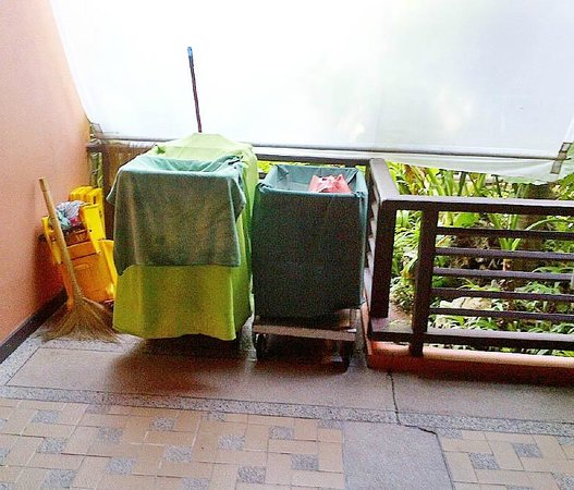 Patong Merlin Hotel : Maid Items Next To Egg Station