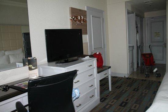 Sunway Resort Hotel & Spa: équipement tv