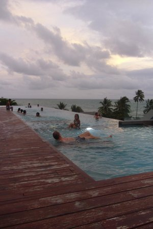 KC Grande Resort & Spa: Rooftop pool @Hill side
