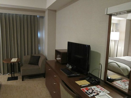Hotel Century Southern Tower: 新整修完的房間