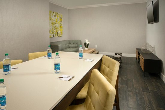 Staybridge Suites Miami Doral Area: Meeting Room