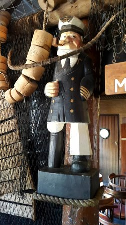 """Mariner's Wharf: Great decor elements - love the """"Captain"""""""