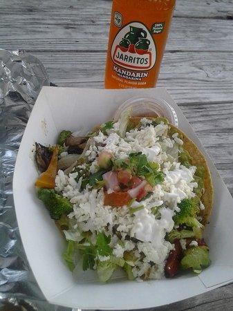 Eduardo's Taco Stand: Eduardos Veggie Tostada