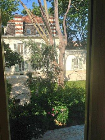 Hostellerie les Frênes : vue d'une chambre