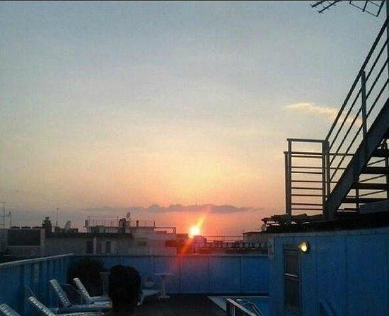 Hotel Elite: foto tramonto dalla piscina :)