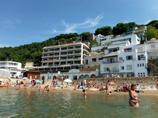 El Volanti SL.: restaurant underneath nautic appartments