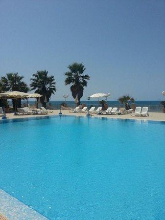 Dioscuri Bay Palace Hotel: specchio d'acqua limpido
