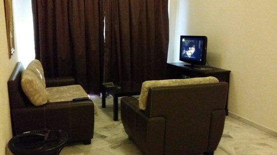 Glory Beach Resort : Living room