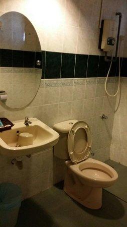 Glory Beach Resort : 2nd bathroom