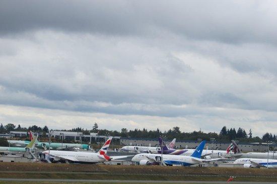 Future of Flight Aviation Center & Boeing Tour: Aerei pronti per il restiling finale