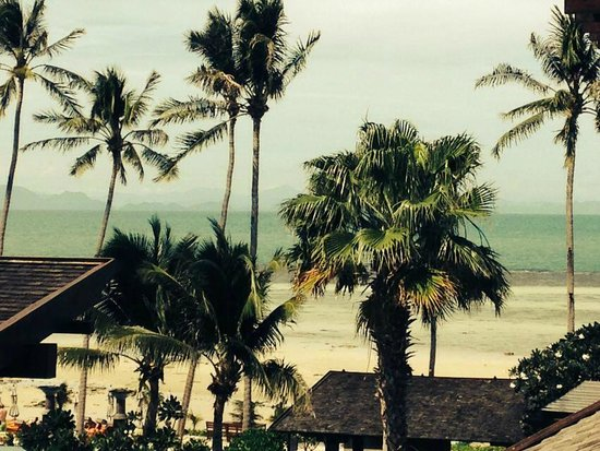 Mai Samui Resort & Spa : Beach (loww tide)