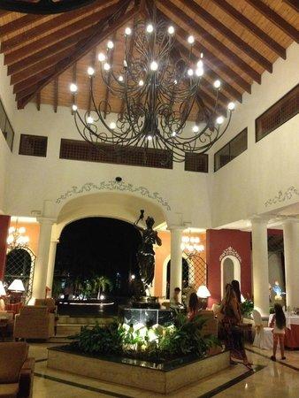 Grand Bahia Principe Turquesa: hall d'accueil club premier