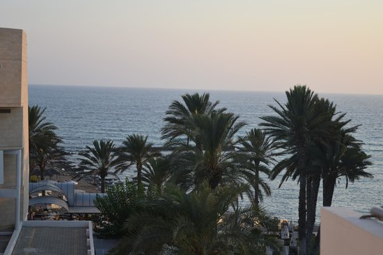 Constantinou Bros Pioneer Beach Hotel: beautiful view