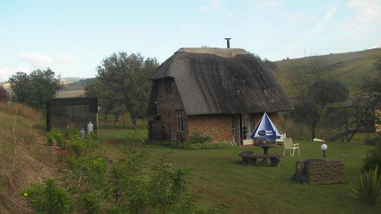 Shiriba Lodge : Honey stone cottage