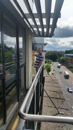 BT48 Apartotel: balcony