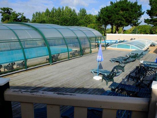 Camping La Bretonniere: Around the pool